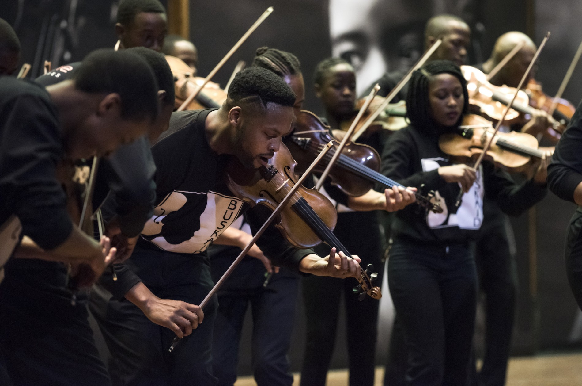 Buskaid Soweto String Ensemble violinists